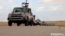 Libyen Militärwagen auf Straße