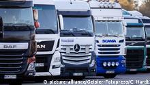 Internationale LKWs stehen auf dem Autobahn-Rastplatz Frechen Nord auf der A4. Köln, 29.12.2018 | Verwendung weltweit