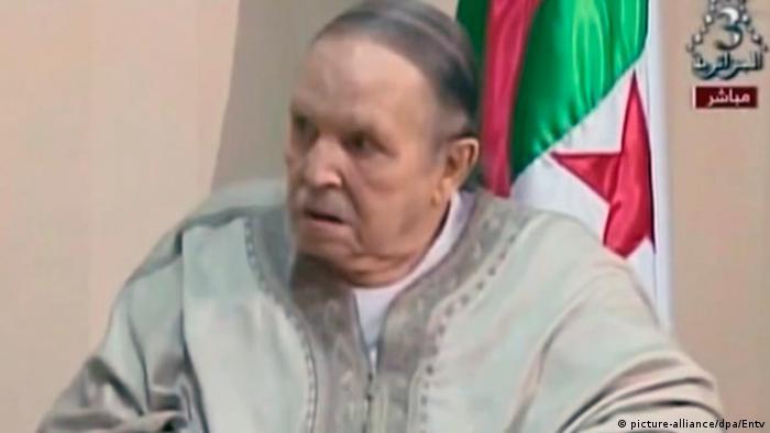 Algerien Rücktritt von Präsident Bouteflika (picture-alliance/dpa/Entv)