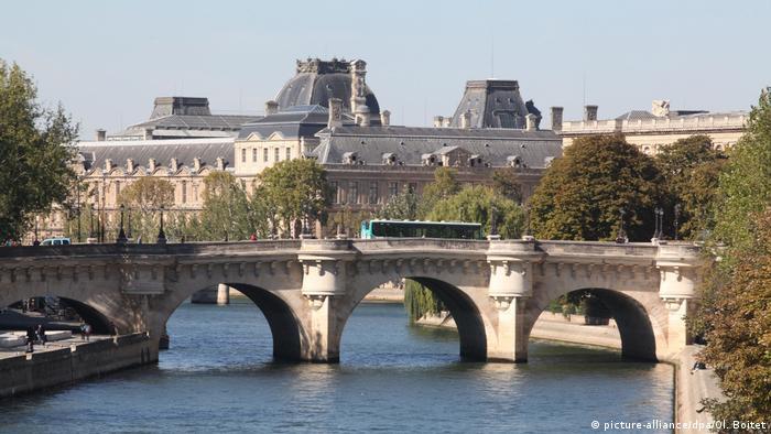 Мост Пон-Нёф, Париж