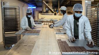 Une fabrique de chocolat au Ghana