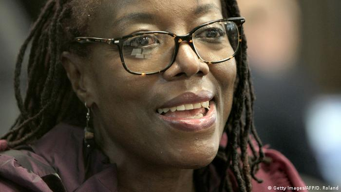 La autora Tsitsi Dangarembga hizo un doctorado de Estudios Africanos en la Universidad Humboldt de Berlín.