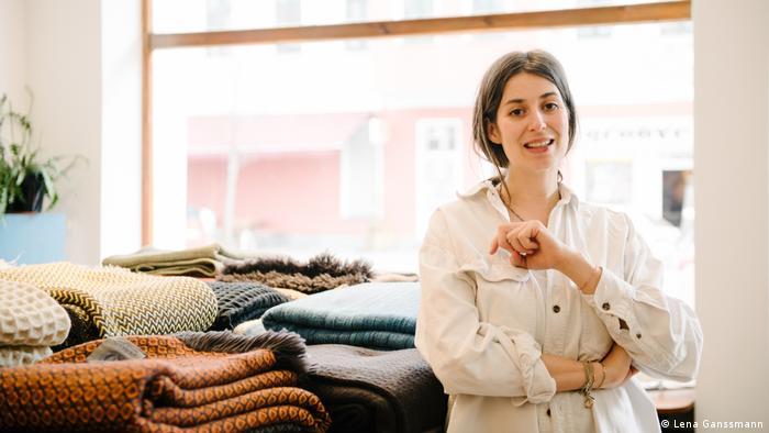 Denitsa Popova in Perelic Woolen Goods (Lena Ganssmann)