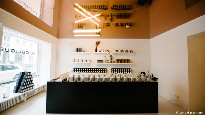 Founded in Berlin in 2015, Atelier Oblique's perfumes and scented candles come in 26 different scents (Lena Ganssmann)