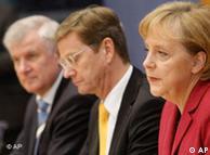 En el orden acostumbrado, Horst Seehofer, Guido Westerwelle y Angela Merkel.