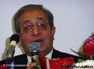 حسن شریعتمداری، تحلیلگر سیاسی
