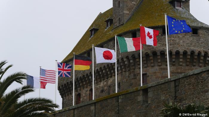Frankreich St. Malo Flaggen