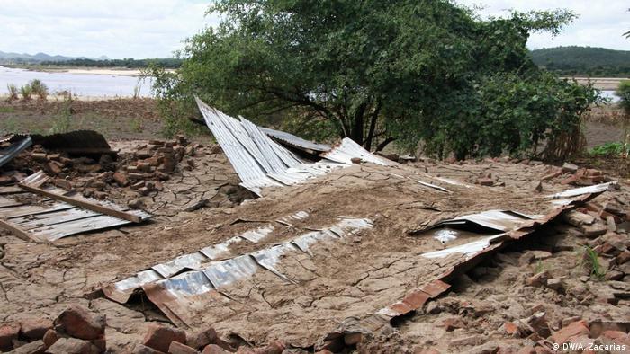 Mosambik Flutopfer in Tete (DW/A. Zacarias)