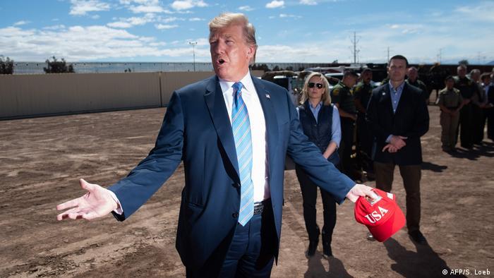 US-Präsident Donald Trump Anfang April an der mexikanischen Grenze in Kalifornien