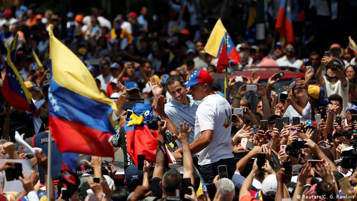 Venezuela Proteste gegen Präsident Maduro in Caracas (Reuters/C. G. Rawlins)