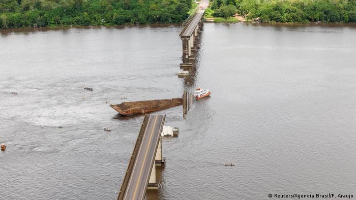 Brasilien Zusammenbruch einer Brücke im Moju-Fluss (Reuters/Agencia Brasil/F. Araujo)