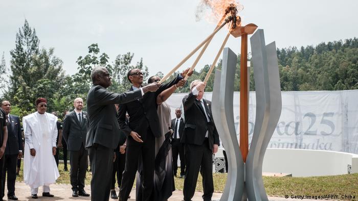 Ruanda 25. Jahrestag Völkermord | Zeremonie in Kigali (Getty Images/AFP/Y. Chiba)