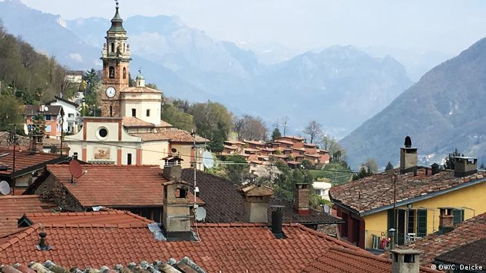 Das Dorf Carona im Tessin