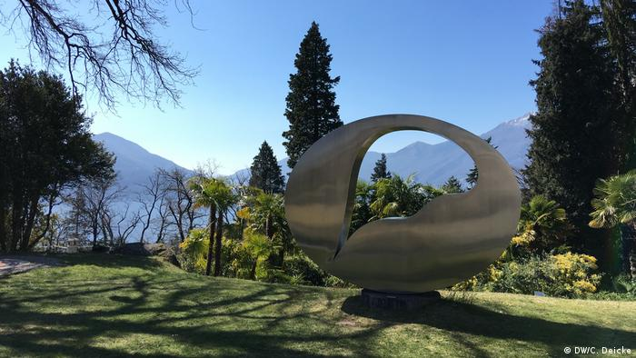 A sculpture by Hans Arp on Monte Verità in Ticino, Switzerland (DW/C. Deicke)