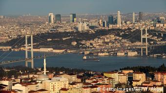 Ο Ερντογάν επιδιώκει την κατασκευή διώρυγας στην Κωνσταντινούπολη για να αποσυμφορηθεί ο Βόσπορος