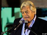 Luis Alberto Lacalle disputará a Mujica la segunda vuelta electoral.