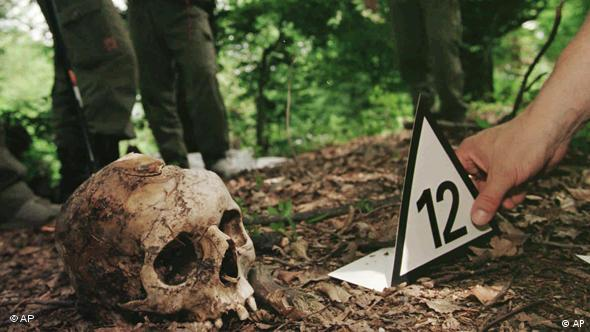 Crime scene photo of a skull in Srebrenica