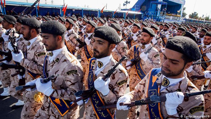 Iran Revolutionsgarden in Teheran (Getty Images/AFP)