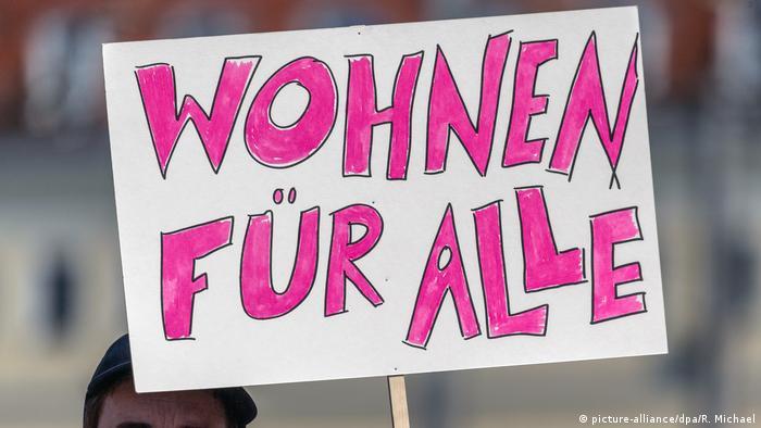 Deutschland Demonstration gegen steigende Mieten in Dresden