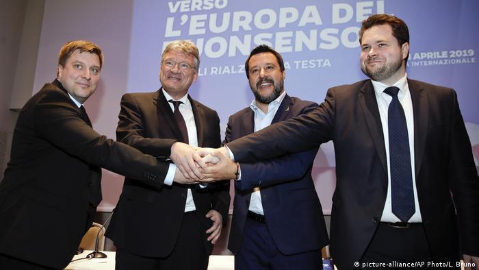 Italien Lega Nord & AfD | gemeinsamer Wahlkampfauftakt Europawahl (picture-alliance/AP Photo/L. Bruno)