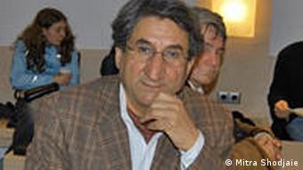 بهروز بیات، فعال حقوق بشر در اتریش