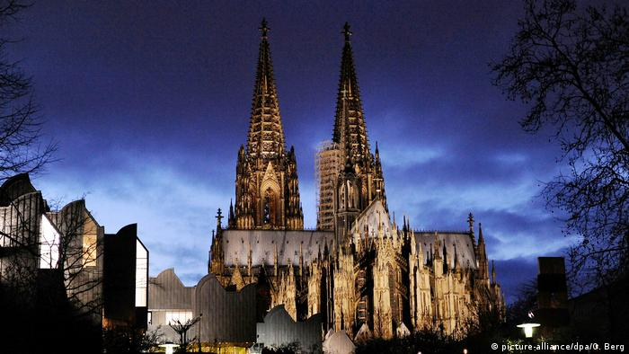 BdT Deutschland Neue Ansagen im Dom - auch auf Kölsch