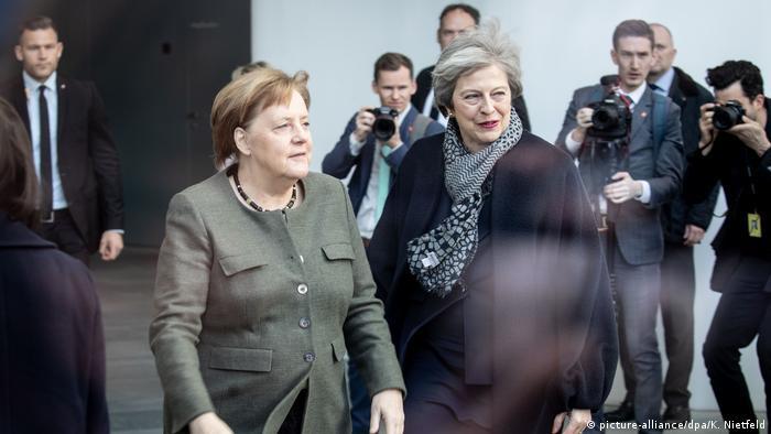 Deutschland Merkel empfängt May