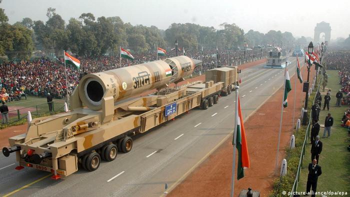 Indien Rückblick 70 Jahre Angni III Parade in Neu Delhi (picture-alliance/dpa/epa)