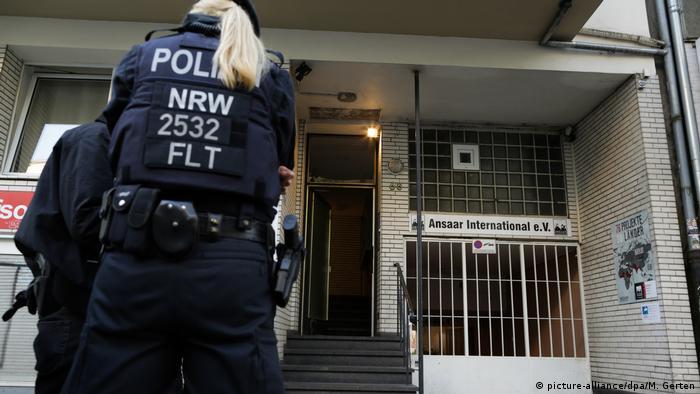 Razzien gegen islamistisches Netzwerk Düsseldorf Polizei