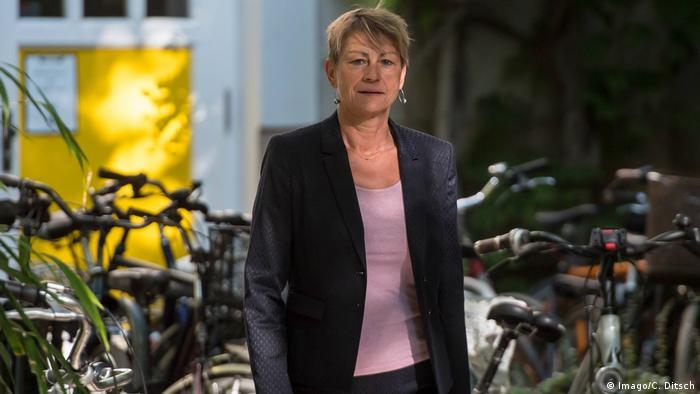 Deutschland Berlin | Elke Breitenbach, Senatorin fuer Integration, Arbeit und Soziales