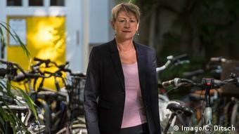 Deutschland Berlin   Elke Breitenbach, Senatorin fuer Integration, Arbeit und Soziales (Imago/C. Ditsch)