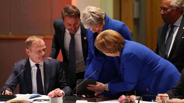 Belgien Brexit-Gipfel in Brüssel   Spaß mit Tablet
