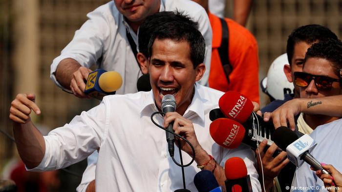 Venezuela Juan Guaido bei Protesten in Caracas