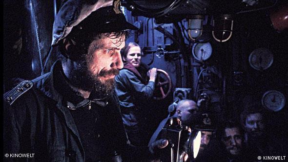 Jürgen Prochnow im U-Boot, dahinter: andere Besatzungmitglieder Szene aus Das Boot (Foto: KINOWELT)