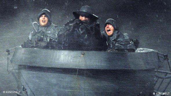 3 Soldaten im Sturm auf U-Boot-Turm - Szene aus dem Film Das Boot (Foto: KINOWELT