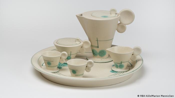 Juego de té de los talleres Haël, 1929