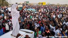 Sudan - Alaa Salah - Die Sudanesin führt Proteste gegen Präsident Omar al-Bashir an