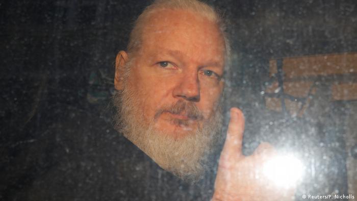 Großbritannien London - Julian Assange festgenommen