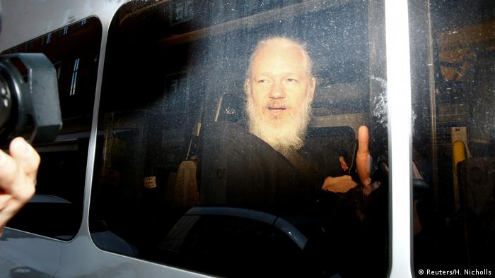 London Festnahme Julian Assange (Reuters/H. Nicholls)