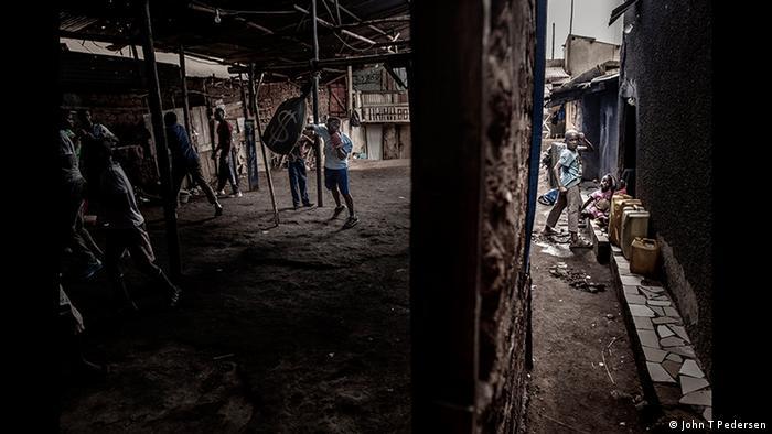 Boxing in Katanga photo by John Pedersen (John T Pedersen)