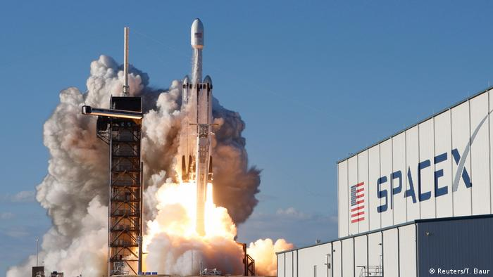 SpaceX Falcon Heavy Rakete (Reuters/T. Baur)