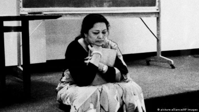 Rechenkünstlerin Shakuntala Devi (picture-alliance/AP Images)