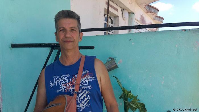Eduardo Fabra, carpinteiro de Havana