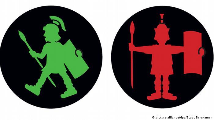 Древний римлянин - современный пешеходный человечек (фото)