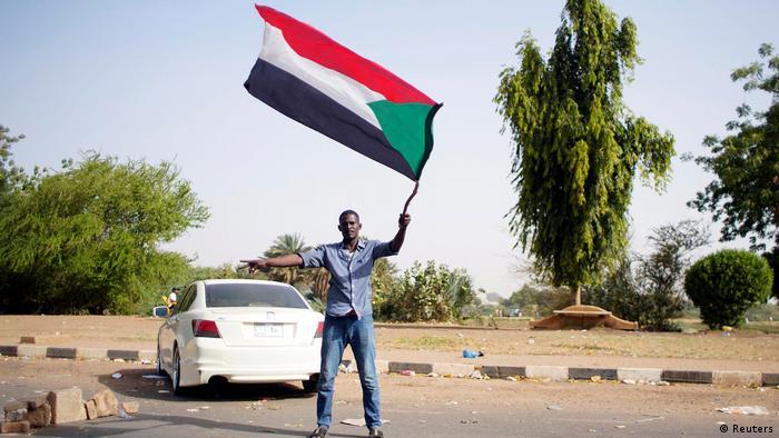 Sudan Demonstrant Flagge