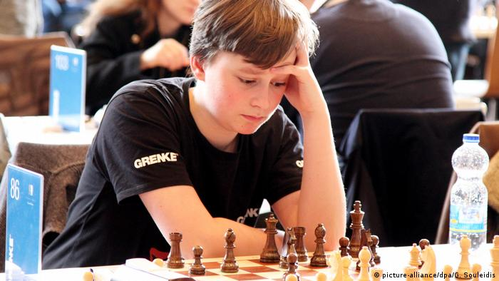 Grenke Chess Open 2018 Vincent Keymer (picture-alliance/dpa/G. Souleidis)