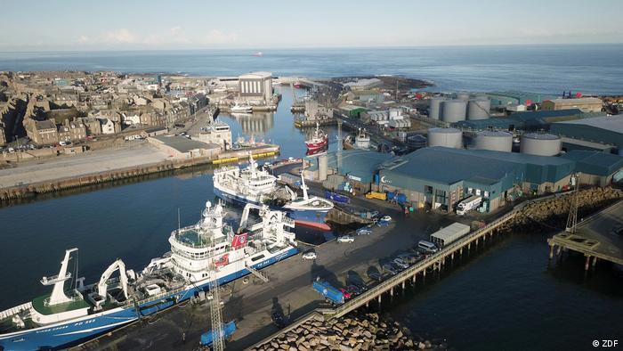 Fischtrawler im Hafen von Peterhead (Schottland)