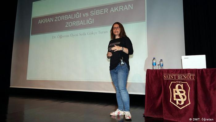 Seda Gökçe Turan, Expertin im Bereich Cyber-Gewalt und Kinder