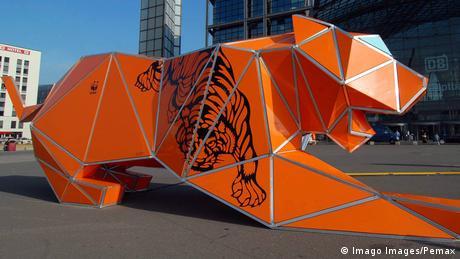 Deutschland Berlin Papiertiger (Imago Images/Pemax)