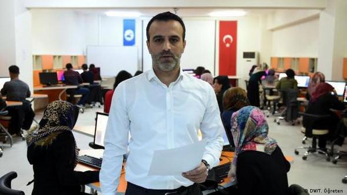 Eray Çelik, Informatikprofessor